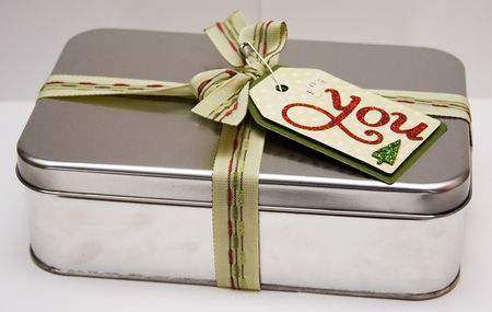 Gift_giving_cocoa_tin2