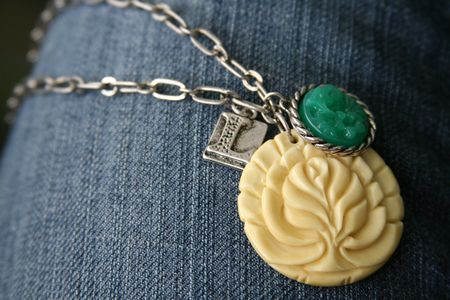 Vintage_groove_necklace4_detail