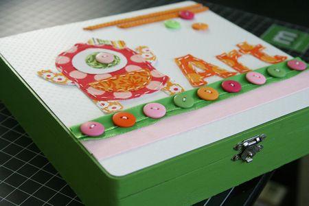 Fabric_GirlsRoom_ArtBox_detail1