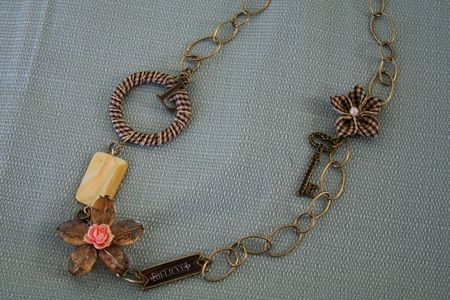 Vintage_groove_necklace_3