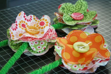 Fabric_GirlsRoom_FlowersInVase_detail1