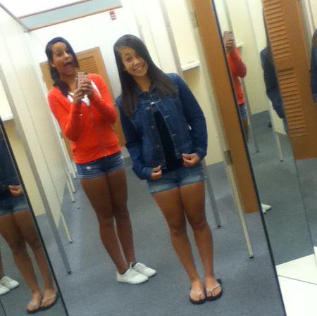 Girls_Shopping2