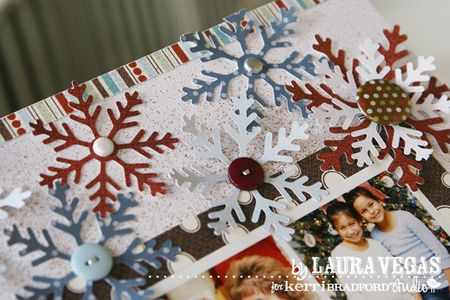 KB_LauraVegas_Christmas2007_detail2