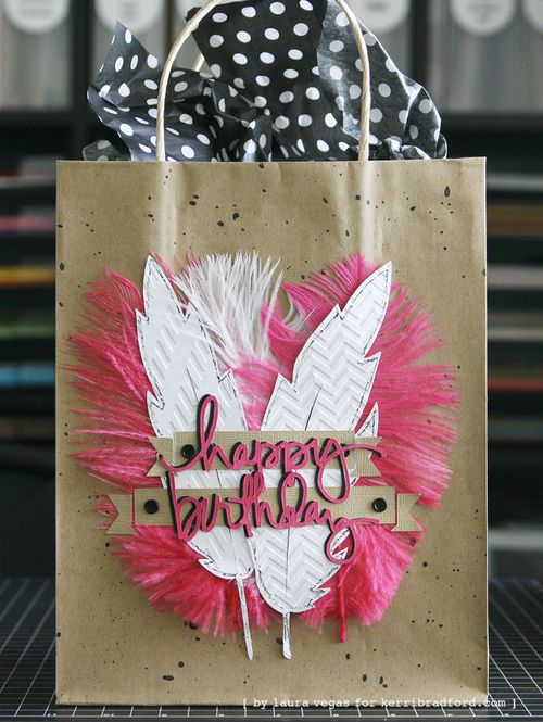 KBS_LauraVegas_Feather_GiftBag_1b