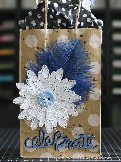 KBS_LauraVegas_Feather_GiftBag_2a